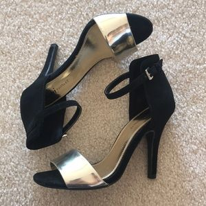 Shoes - Black & Gold Strappy Heels